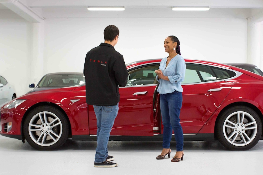 Tesla Salespeople Lead Industry