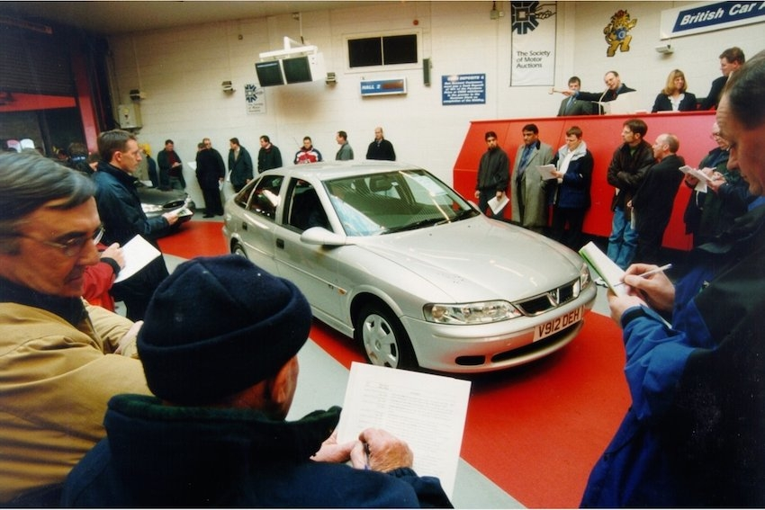 Virtual Lanes Help Reduce Accidents at Auctions
