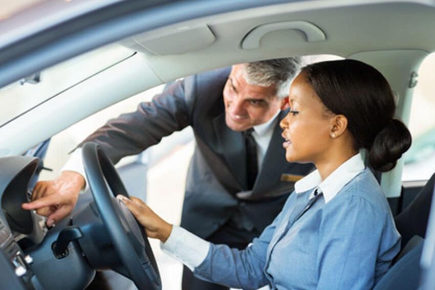 CarMax Retails Fewer Units