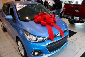 New Vehicle Prices Rise Year-over-Year
