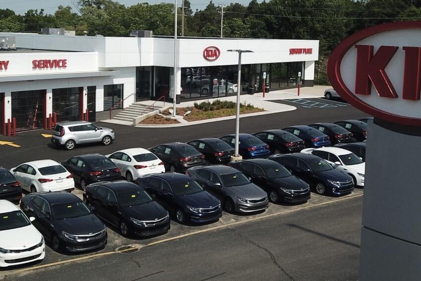 Car Shoppers Prefer Traditional Dealerships