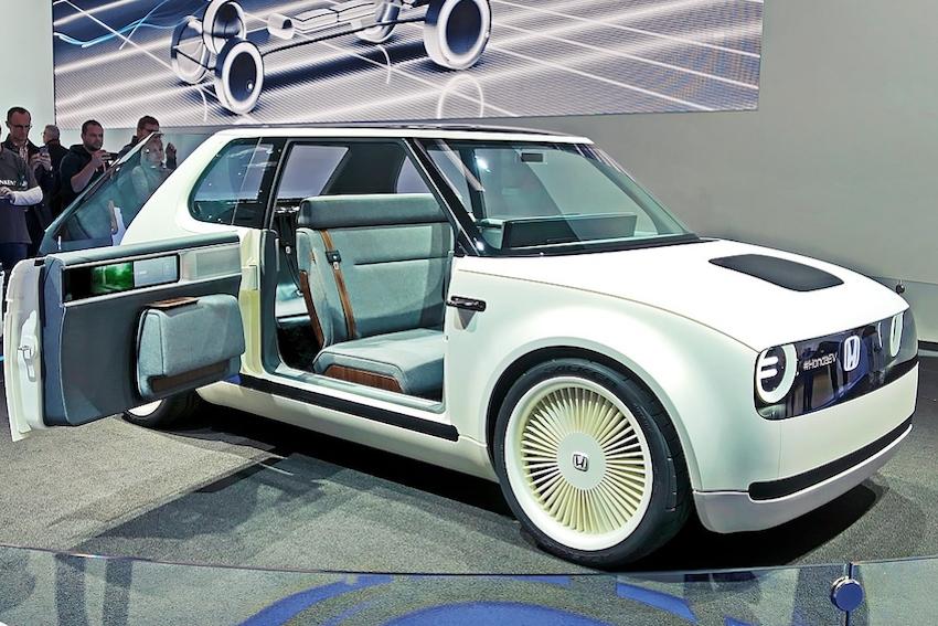 Honda Will Go All EV, Hybrid in 2040