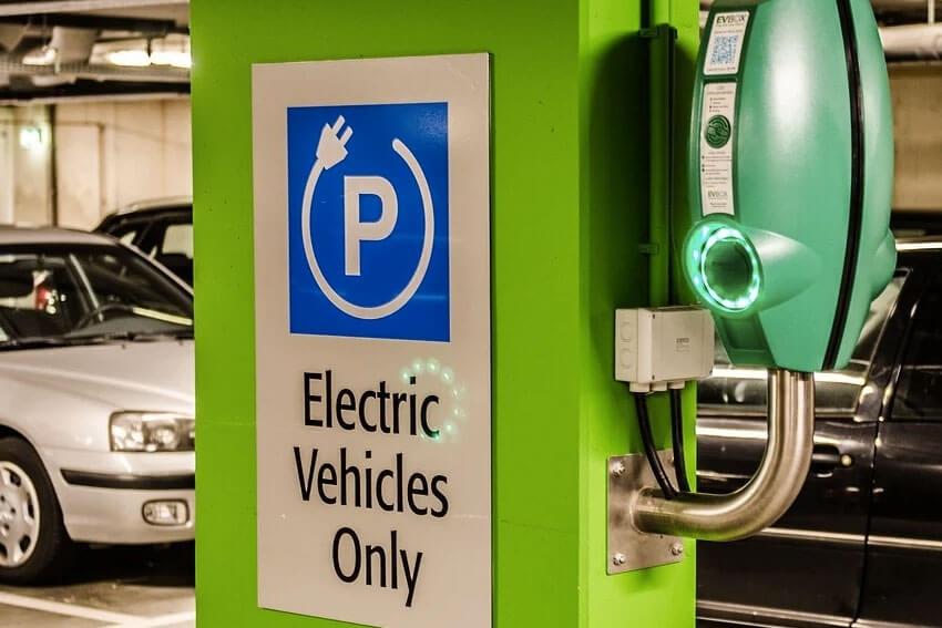 KBB: Shoppers Target EVs