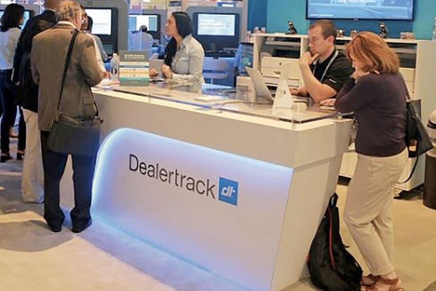 IAA Partners with Dealertrack