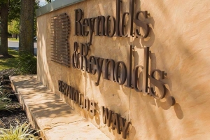 Reynolds and Reynolds Promotes Barras