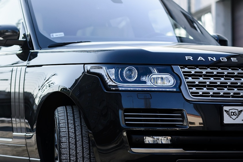 Range Rover 'Roll Away' Accident Video Surfaces