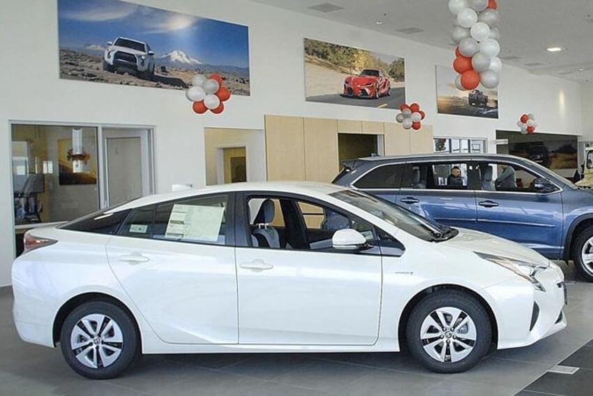 June New-Vehicle Sales to Dip