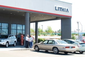 Lithia Expects Dip in New-Car Sales