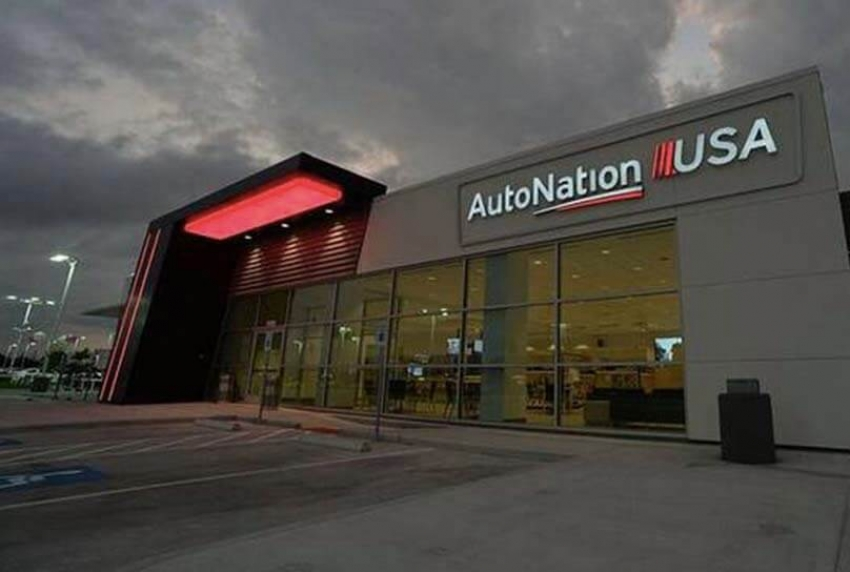 AutoNation Prices Notes