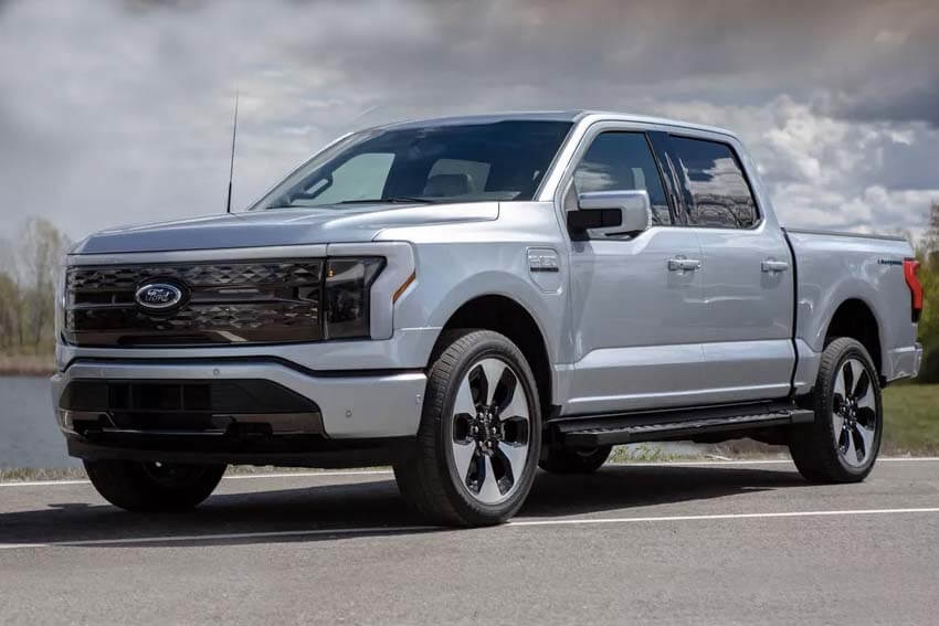 Ford Introduces Lightning Pickup