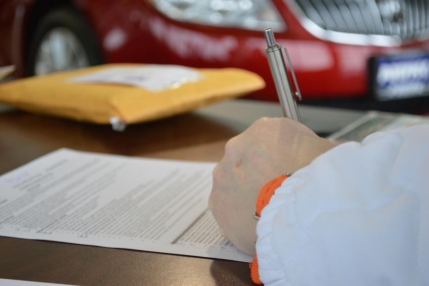 Auto Loan Defaults Rise
